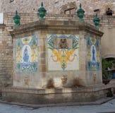 De fontein op de straat van Barcelona, Spanje dichtbij een kathedraal royalty-vrije stock fotografie