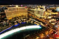 De fontein toont bij Bellagio hotel en casino bij nacht, Las Vegas, Stock Fotografie