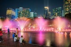De fontein toont voor Kuala Lumpur City Center KLCC Royalty-vrije Stock Foto's