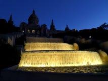 De Fontein van Barcelona Nationaal Art Museum van Catalonië bij Nacht Royalty-vrije Stock Foto's