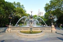 De Fontein van de vorm bij Stadhuis in New York Royalty-vrije Stock Afbeeldingen