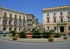 De fontein van Diana in Ortigia, Syracuse Stock Foto's