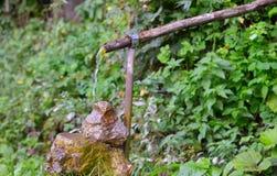 De Fontein van het dorpswater stock afbeeldingen