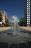 De fontein van het water in de stad Stock Foto's