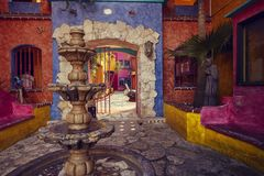 De fontein van kleuren royalty-vrije stock afbeeldingen