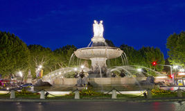 De fontein van La Rotonde, centrum van Aix-en-Provence stock fotografie