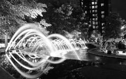 De fonteinen in Columbus omcirkelen zwart-wit Stock Fotografie