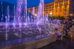 De Fonteinen van Kiev op Maidan Nezalezhnosti Stock Foto's