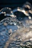 De fonteinstromen van het water royalty-vrije stock fotografie