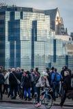 De Forenzen die van Londen gaan werken royalty-vrije stock afbeeldingen