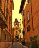De forntida historiska gatorna av den romantiska staden av Verona Ital arkivfoton