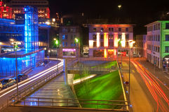 De foto van de nacht van de plaats van Europa in Lausanne Stock Afbeelding