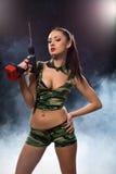 De foto van het concept Sexy die brunette met boor wordt bewapend Royalty-vrije Stock Afbeeldingen