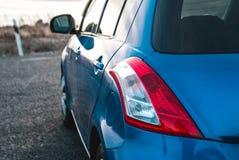 De fotoauto van blauwe kleur stock foto's