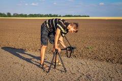 De fotograaf vergt de texturen van de beeldengrond in hete dag Royalty-vrije Stock Foto's