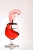 De fotografie die van de hoge snelheid - wijn morst. royalty-vrije stock afbeelding