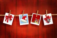 De frames van foto's op rustiek rood hout Stock Afbeelding