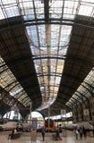 De Francia在中央巴塞罗那垂直的火车站 库存照片