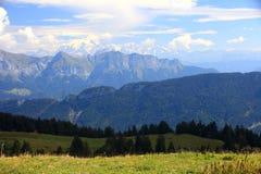 De Franse Alpes-zomer Stock Afbeeldingen