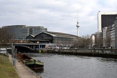 De Fuif Berlijn van Bahnhoffriedrichstrasse und stock foto