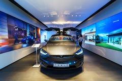 De full-sized, alle-elektrische, luxe, oversteekplaats SUV Tesla Modelx stock fotografie