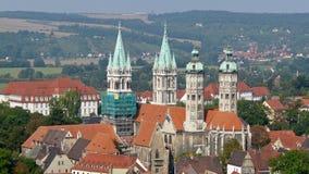 De fyra tornen av den Naumburg domkyrkan Arkivfoton