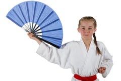 De gaande karate van het Tweenagemeisje stock foto