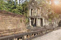 De galerij in de Eeuw van tempelpreah Khan ruins12th in Angkor Wat, Siem oogst, Kambodja Stock Afbeelding