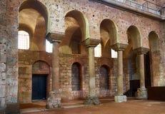 De galerij van kolommen binnen Hagia Irene (Ire van Heilige royalty-vrije stock afbeelding