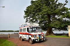 De Gambiaanse bus Stock Afbeeldingen
