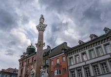 De gamla byggnaderna i staden Innsbruck, Österrike Arkivfoto