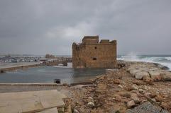 De gamla härliga portarna, slott av Pafos i Cypern royaltyfria foton