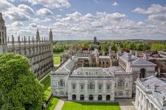 De gamla skolorna av det Cambridge universitetet Arkivfoto