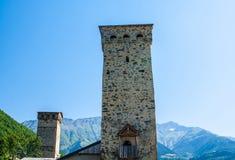 De gamla tornen i Svanetia, Mestia, Georgia Royaltyfri Bild