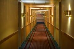 De gang van het hotel stock foto