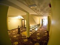 De gang van het hotel stock fotografie