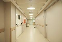 De gang van het ziekenhuis Stock Foto