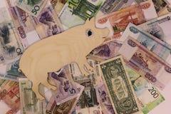 De gangen van het symbool 2019 varken op bankbiljetten van verschillende landen royalty-vrije stock afbeeldingen