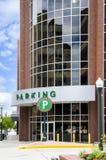 De Garage van het parkeren in de Stad stock foto