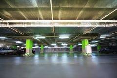De garage van het parkeren van winkelcentrum Stock Afbeeldingen