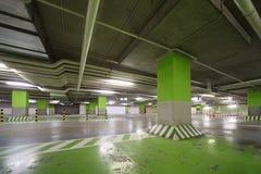 De garage van het parkeren van winkelcentrum Royalty-vrije Stock Foto's