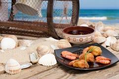De garnalen van Tempura op het strand Royalty-vrije Stock Foto's