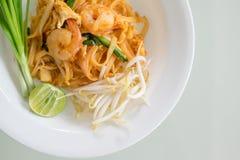 De garnalen vullen Thai (de nationale schotels van Thailand) op Stock Foto