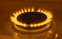De gas de una estufa de gas de la cocina Imágenes de archivo libres de regalías