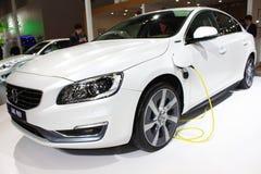 De gas-elektrische hybride witte auto van Volvo s60l phev Royalty-vrije Stock Fotografie
