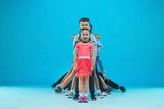 De gata, skraj och moderna dansarna för ungedansskola, för balett, hiphop, Royaltyfria Bilder