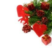 De geïsoleerdeb takken en de decoratie van de kerstboom Stock Afbeeldingen