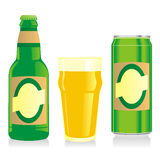 De geïsoleerdeG blonde bierfles, glas en kan Vector Illustratie
