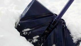 De geïsoleerdep schop van de sneeuw, stock video