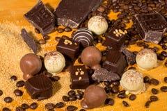 De geassorteerde pralines van de Chocoladetruffel Royalty-vrije Stock Afbeeldingen